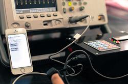 Diseñan en la BUAP dispositivo para medir la presión cardiaca con ayuda del celular